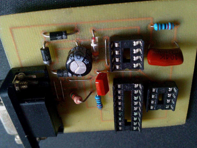электронный термометр на pic12f629 схема , прошивка